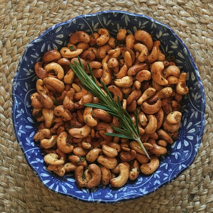 Easy Appetizers – Rosemary Cashews