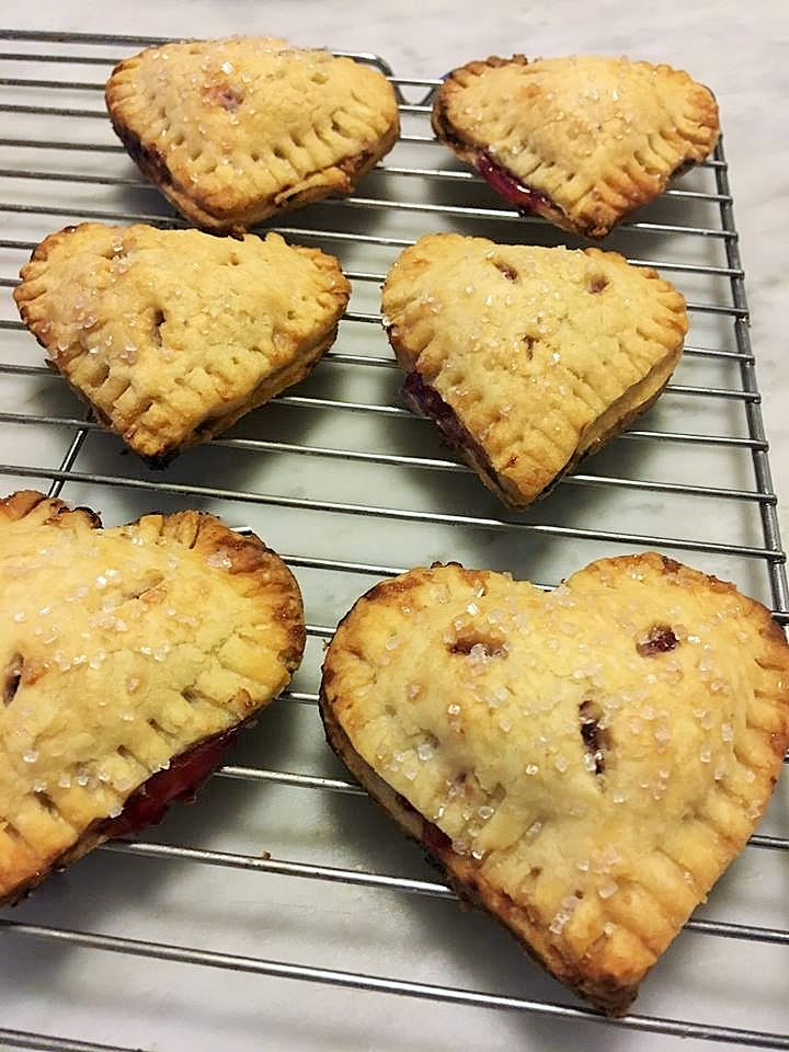 Sweetie Pies! Little heart pies for valentines day!