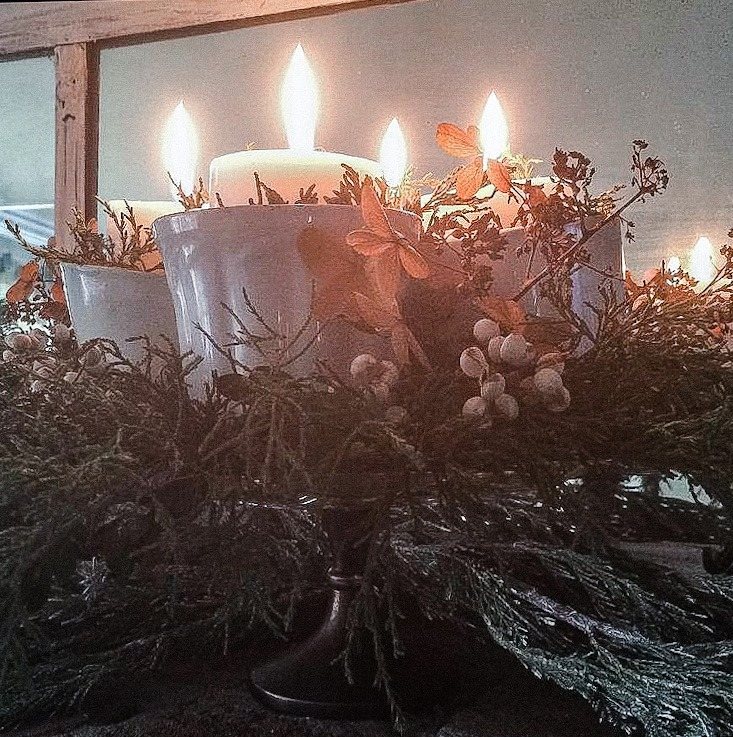 making an Advent Wreath using Ironstone on vintage cake stand