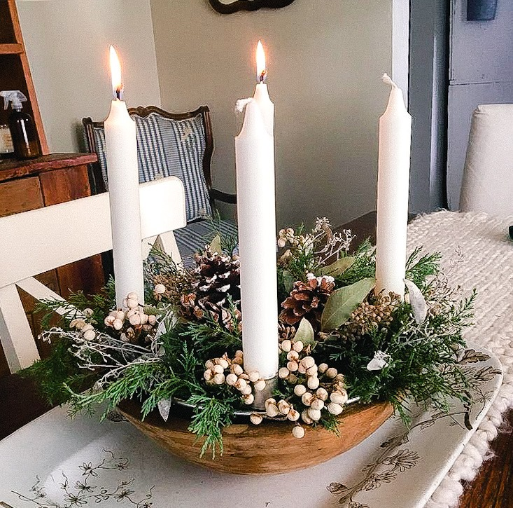 making an Advent Wreath using vintage bowl, tallowberries and pinecones